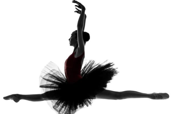 Female athlete performing training support  舞者/表演藝術者不可忽視的問題