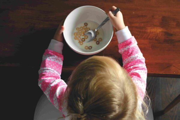 Growing-up Milk, is a necessity or marketing?  成長奶粉是必需品嗎?這樣吃,幼兒可以更健康及永續